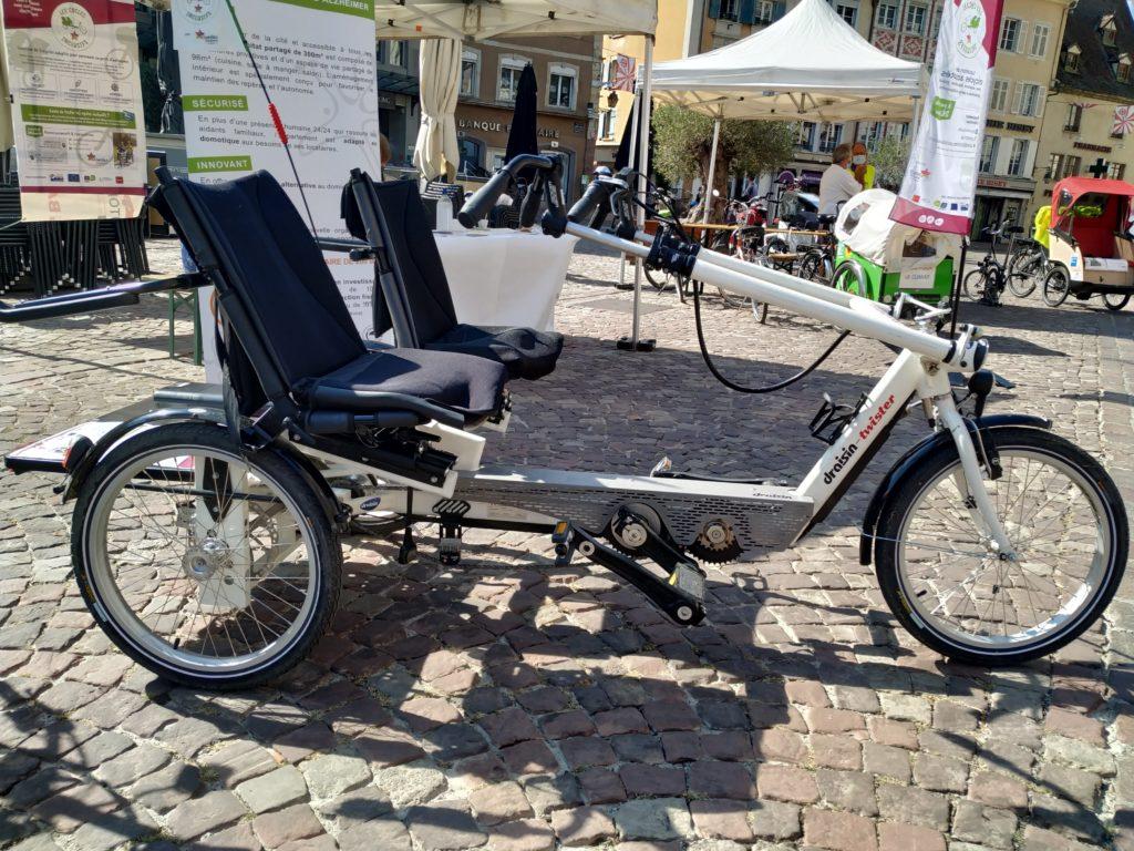 Le tricycle bi-places